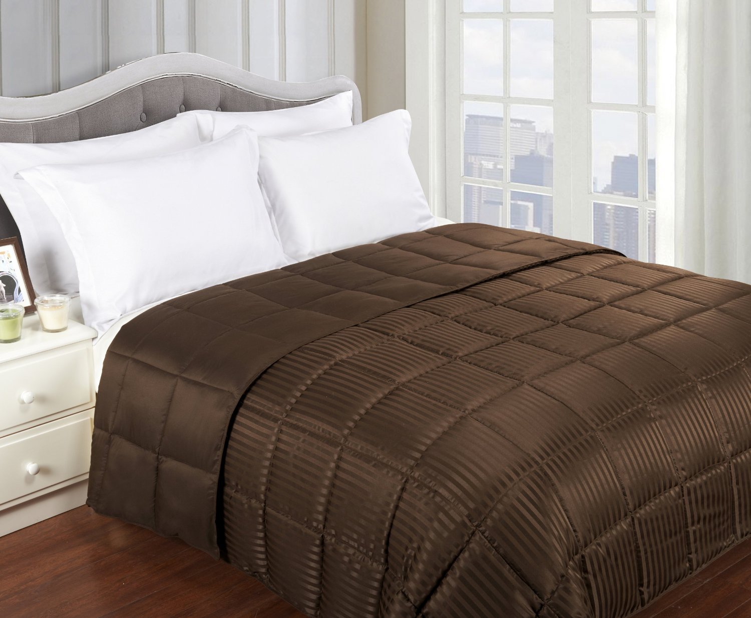 GoLinens: All-season Luxurious Down Alternative Reversible Blanket With Box Sewn Construction