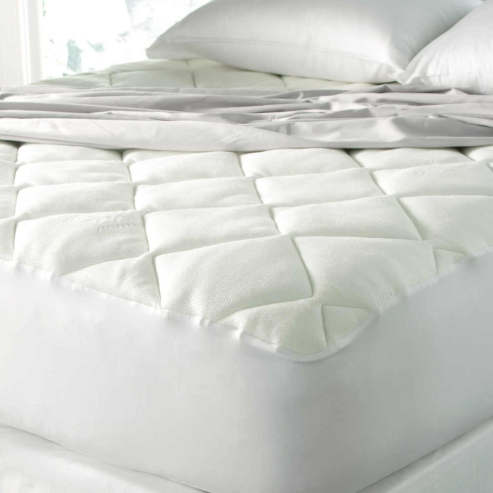 Spa luxe cool touch bamboo top extra soft mattress pad by for Best soft mattress pad